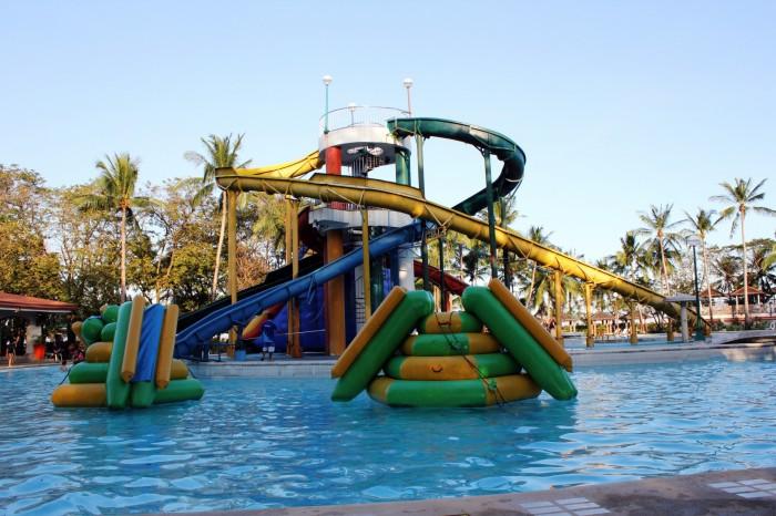 Camping toboggan et parc aquatique camping jeux for Camping dans la drome avec piscine et toboggan